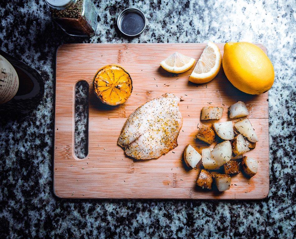 chopping-board-cooking-cuisine-428355.jpg