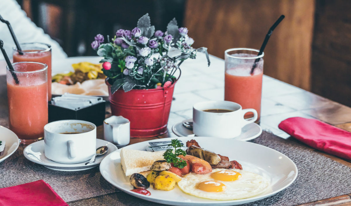 Having breakfast will help you lose carbs