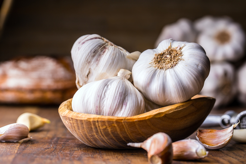 herbs_that_boost_immunity_garlic.jpg