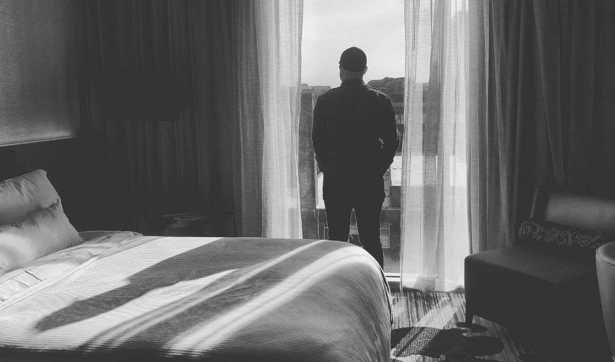 How Your Bedroom Is Making You Depressed