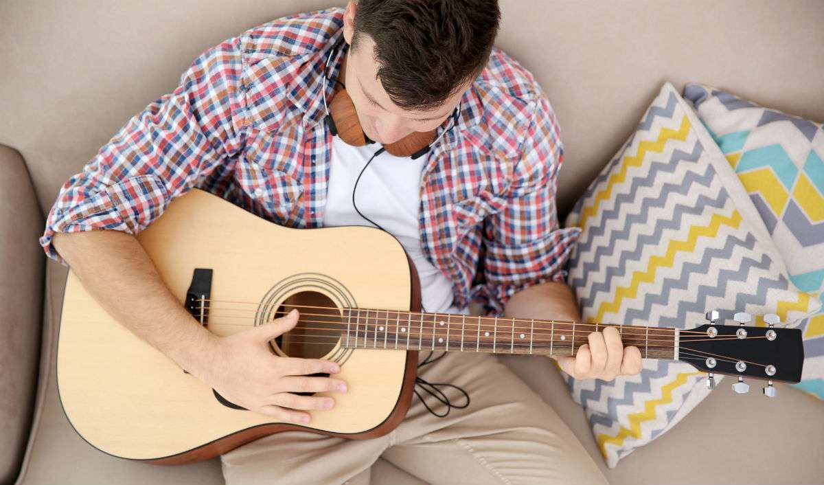 Attract Women Like A Guitar Player (Without Playing The Guitar)
