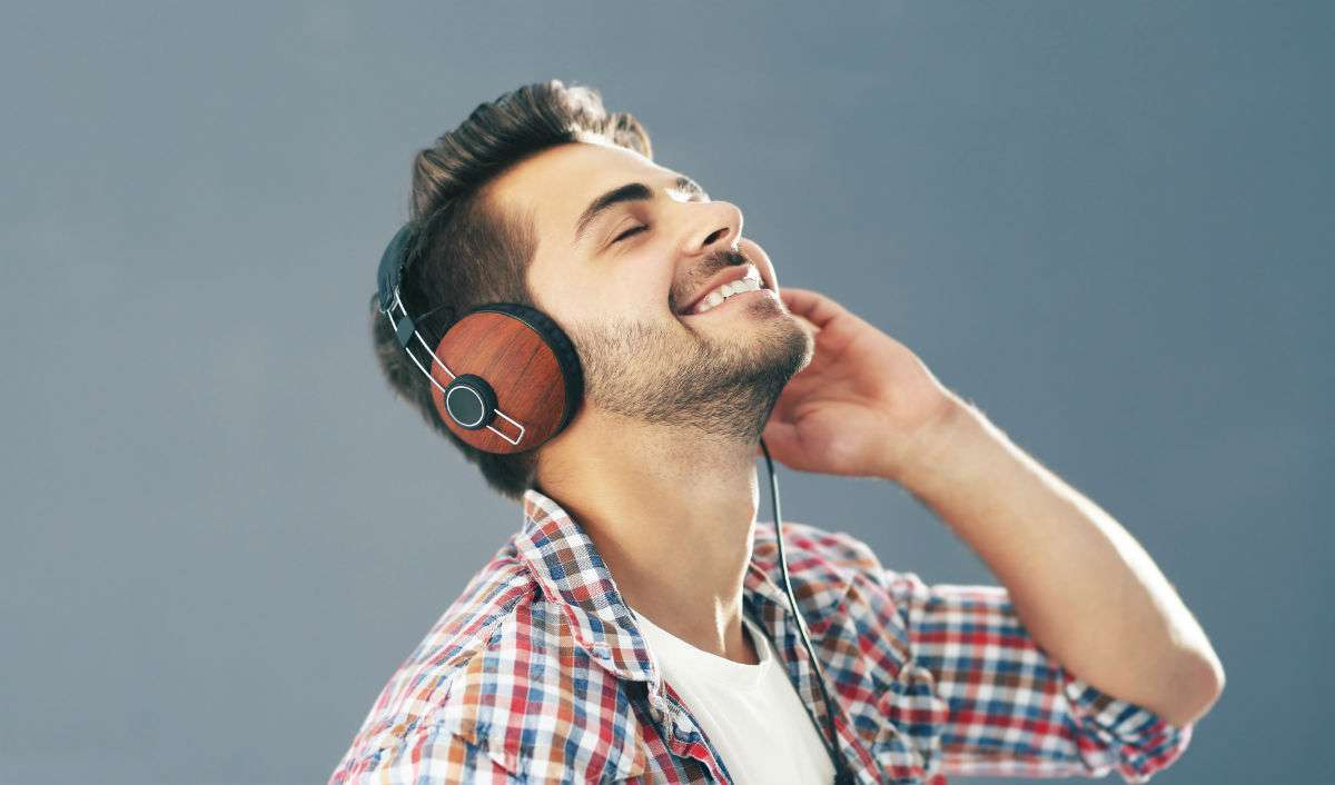 Sex Life Getting Dull? Listening To Music Might Help!