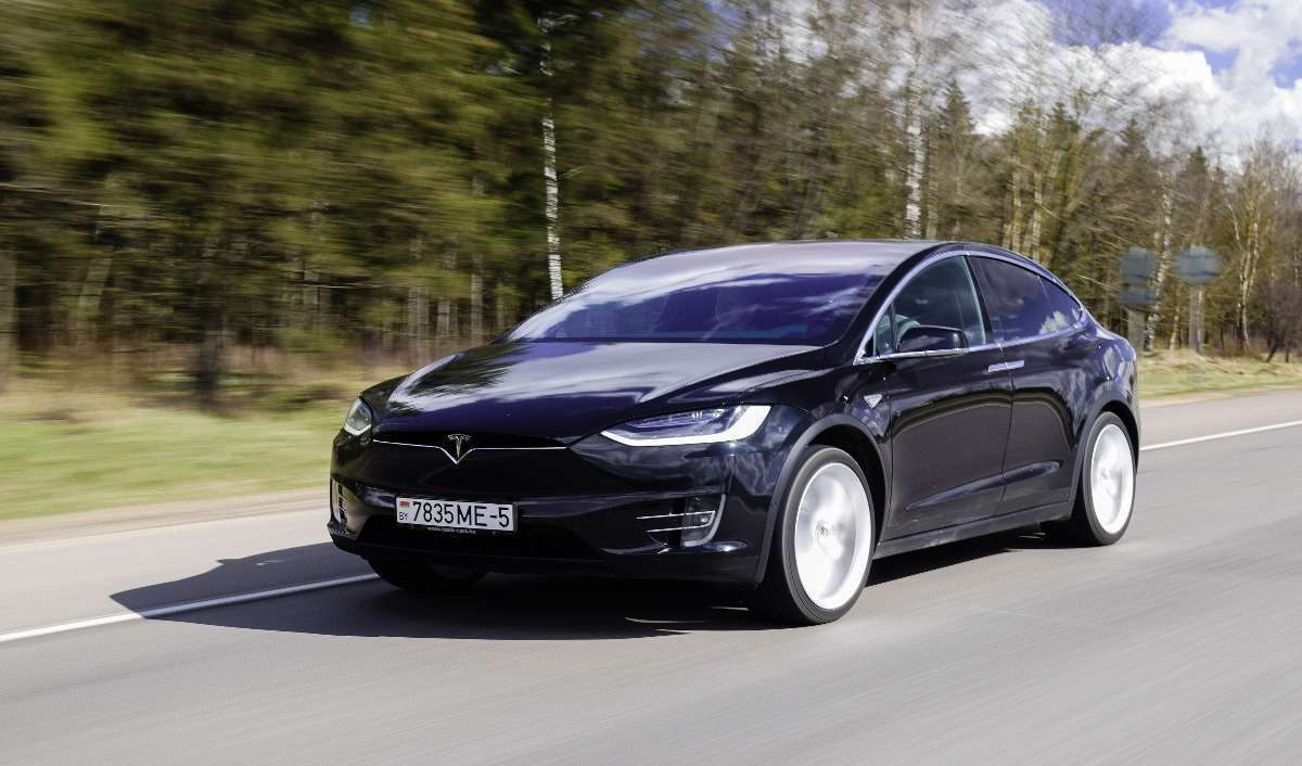 Tesla's Model X Is Proof Electric Vehicles Are Worth the Growing Pains