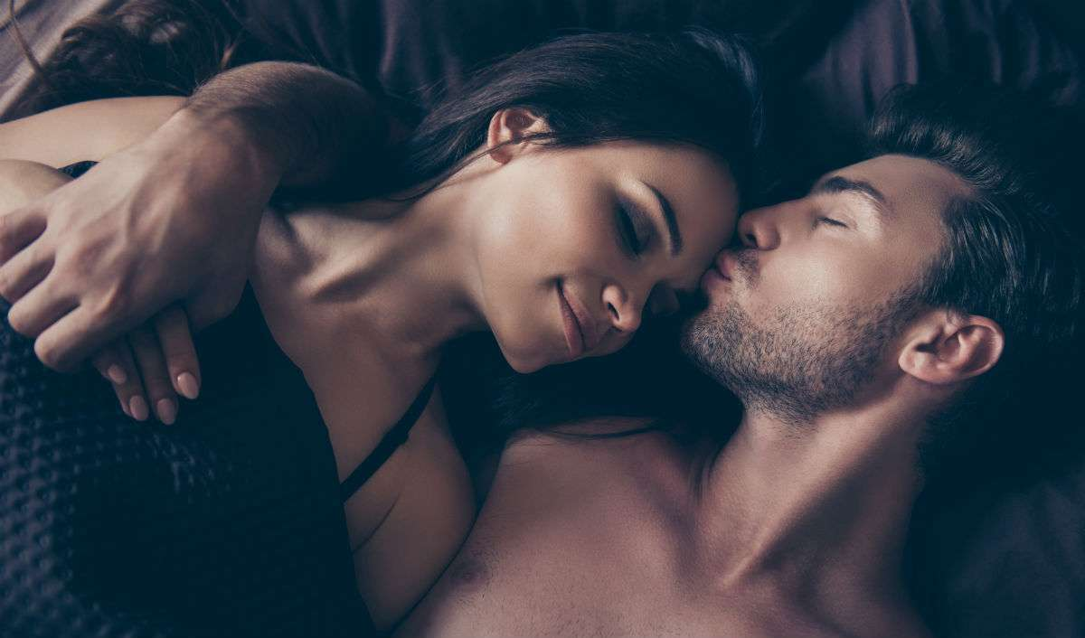 Should You Sleep With Your Hot Friend?