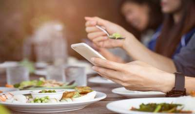 being on phone can help you lose weight