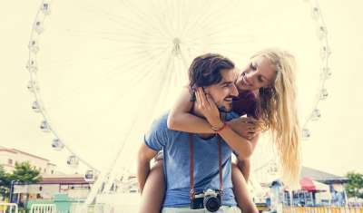 How Do Women Feel About PDA?