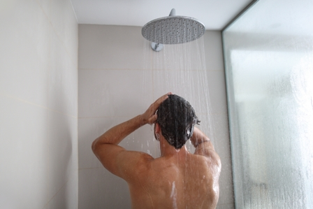 tips_for_men_who_want_shiny_smooth_hair_1.jpg
